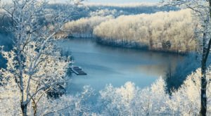 """Kentuckians Should Expect A """"Cold And Very Flaky"""" Winter According To The Farmers' Almanac"""