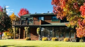 Experience The Fall Colors Like Never Before With A Stay At This Cozy Log Home In Nevada