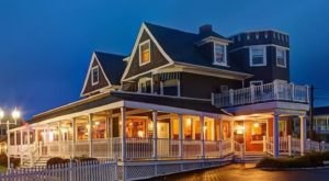 Sleep Soundly Next To The Sea At Ocean Rose Inn In Rhode Island