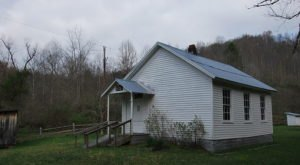 Travel Back In Time To These 7 Historic One Room Schoolhouses In West Virginia