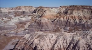 Petrified Forest National Park Is A Fascinating Spot In Arizona That's Straight Out Of A Fairy Tale