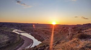 The Wind Canyon Trail Might Be One Of The Most Beautiful Short-And-Sweet Hikes To Take In North Dakota