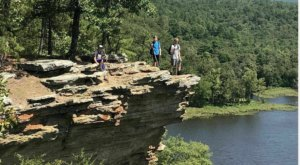 Mountain Trail To Lake Carlton Is A Challenging Hike In Oklahoma That Will Make Your Stomach Drop