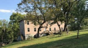Stay Overnight In A 164-Year-Old Hotel That's Said To Be Haunted At Morse Mill Hotel In Missouri