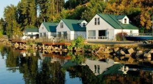 The Lakefront Cabins At Family-Owned MacDonald's Resort In Idaho Are The Stuff Of Dreams