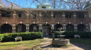 Spend A Night Hunting Ghosts In The Haunted Thomas House Hotel With Ghost Hunt Weekends In Tennessee