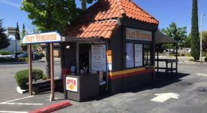 Fast Weenies Is A Little Drive-Thru In Northern California That's Been Slinging Hot Dogs Since The '80s