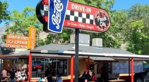 Peach City In Utah Has Been Serving Up Tasty Burgers And Shakes Since 1937
