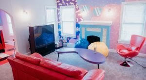 Relive The Good Old Days At This 90s Themed Airbnb In Texas
