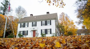 Stay Overnight In The 227 Year-Old Quechee Inn at Marshland Farm, An Allegedly Haunted Spot In Vermont