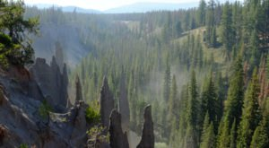 Many People Who Visit Oregon's Crater Lake Don't Realize That These Volcanic Pumice Spires Exist