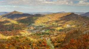 The Sight Of Fall Foliage In North Carolina From Up Above Is Unbeatable On This Scenic Chair Lift Ride