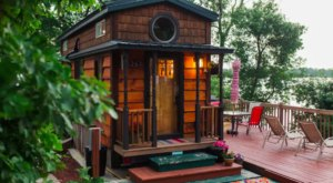 You'll Love Your Stay In This Tiny Minnesota House Right On The Lake