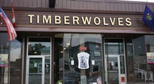 Timberwolves BBQ In Rural Maine Was Named The Best Burger In The State