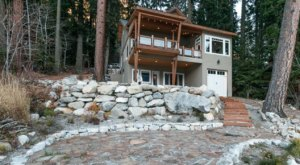 Relax In A Hot Tub On Lake Wenatchee With A Stay At The Lazy Bear Lodge In Washington