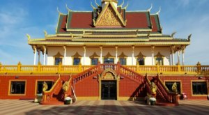 North America's Largest Buddhist Temple Is Hidden In A Small Town In Minnesota