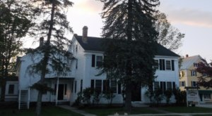 The Chapman Inn In Maine Is So Haunted It Has A Special Certification To Prove It