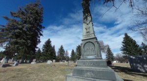 Lakeview Cemetery Is One Of The Creepiest, Strangest Places You Can Visit In Wyoming