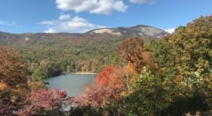 The Awesome Hike At Table Rock That Will Take You To The Most Spectacular Fall Foliage In South Carolina