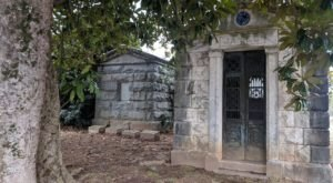 See Another Side Of The Eerily Beautiful Westview Cemetery On This Historical Bike Tour In Georgia