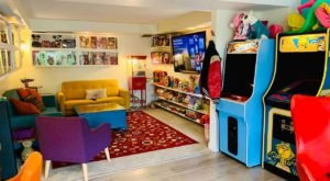 This Radical 1980s Themed Airbnb In Washington Is A Blast From The Past