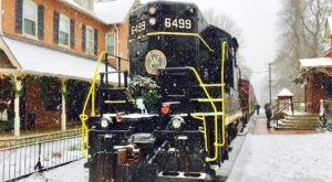 Hop Aboard The Santa Express In Pennsylvania To Feel The Magic Of The Season