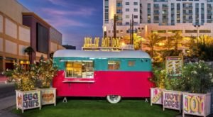Stop By The Quirky Trailer In Nevada That Serves Up A Variety Of Gourmet Hot Dogs