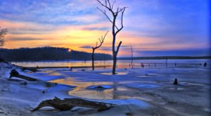 Clinton Lake Is A Stunning Kansas Winter Scene To Explore When It's Cold Out