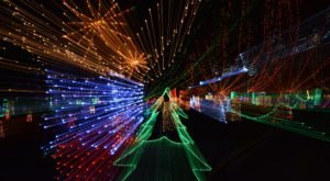 The Winter Wonderland Christmas Lights Trail In Missouri Is Positively Enchanting