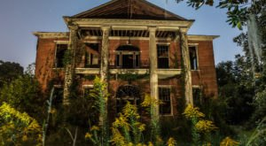 Arlington, An Incredible Antebellum Landmark In Mississippi, Is Slowly Fading Away