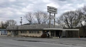 A Favorite For Decades, The Beacon 443 Diner In Pennsylvania Will Make You Feel Like Family