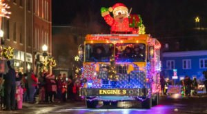 Vermont's Enchanting Winter Lights Holiday Drive-Thru Parade Is Sure To Delight