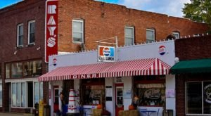 Visit Ray's Diner, The Small Town Diner In Missouri That's Been Around Since The 1930s
