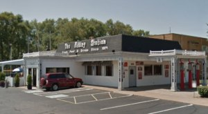 Delicious Food Awaits You At One Of Iowa's Quirkiest Restaurants, The Filling Station