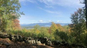 Take An Easy Loop Trail Past Some Of The Prettiest Scenery In New Hampshire On The Farm View Hilltop Trail