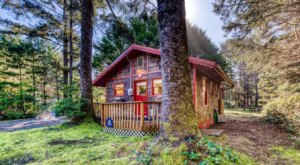 This Cozy Cottage In Oregon Is Just 75 Yards From The Beach