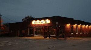The Little City Of Norwalk, Iowa Is Home To A Pizza Place That's Out Of This World Good