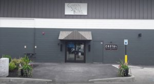 Visit A Luxury Bowling Alley In Maine That Also Has A Fantastic Gastro Pub At Garden Street Bowl