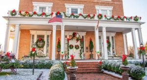 Antrim 1844 Hotel In Maryland Gets All Decked Out For Christmas Each Year