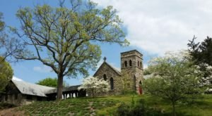 Grace Episcopal Church Is A Pretty Place Of Worship In North Carolina