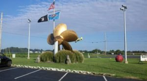 8 Roadside Attractions And Quirky Sights That Every Delawarean Should Add To Their Bucket List