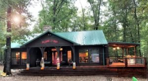 Enjoy The Sound And Beauty Of Nature At This Cozy, Secluded Cabin In Oklahoma