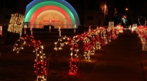 Experience The Joys Of Christmas With Over 2 Million Lights And Festive Train Rides At Crystal Christmas In Oklahoma