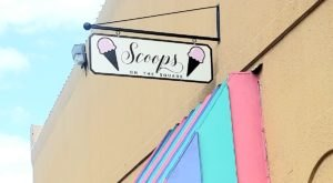 Sip Your Way Into The Holiday Season With The Hot Cocoa Bar At Scoops On The Square In Texas