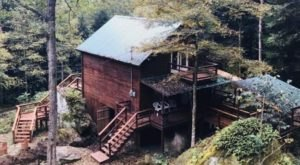 Enjoy A Cabin And Jacuzzi In The Woods Near Natural Bridge In Kentucky