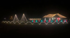 After Garnering Attention From Around The World, This Residential Holiday Display In Mississippi Has Gone Viral