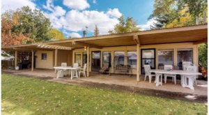 Forget The Resorts, Rent This Charming Waterfront Lake House In Utah Instead