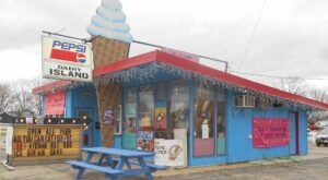 Visit Dairy Island, The Small-Town Diner In Wisconsin That's Been Around Since The 1990s