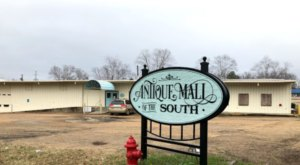 With 14,000 Square Feet Of Merchandise, You Could Easily Spend Hours At The Antique Mall Of The South In Mississippi