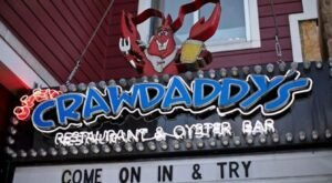 Get A Taste Of Cajun Country When You Visit Crawdaddy's Restaurant And Oyster Bar In Tennessee
